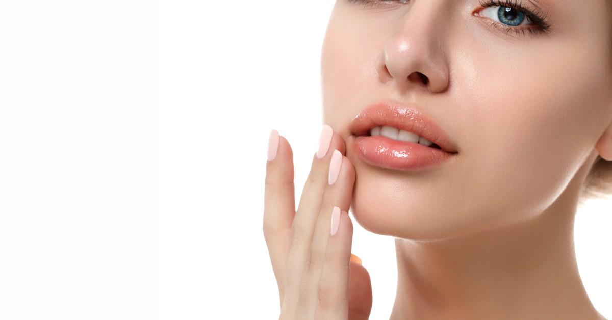 marimea buzelor cu acid hialuronic